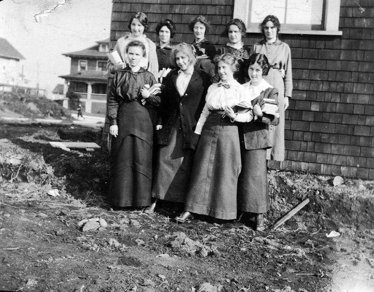 Left to right - front row - Vera Lewis, Jessie Anderson, Eleener Frame, Florence Chapin. Back row - Irene Mounce, Kathleen Laidlaw, Winifred Hutchinson, Isabel MacMillan, Muriel Carrothers
