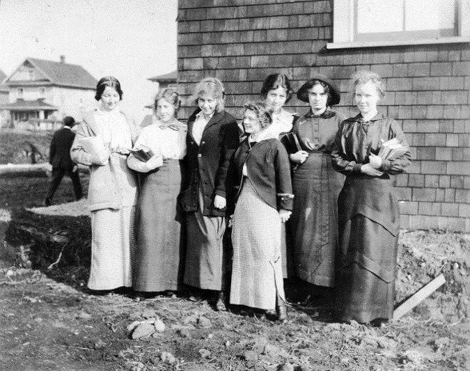 Left to right: Irene Mounce, Eleener Frame, Jessie Anderson, Zella, Hawe, Muriel Carrothers, Vera Lewis.
