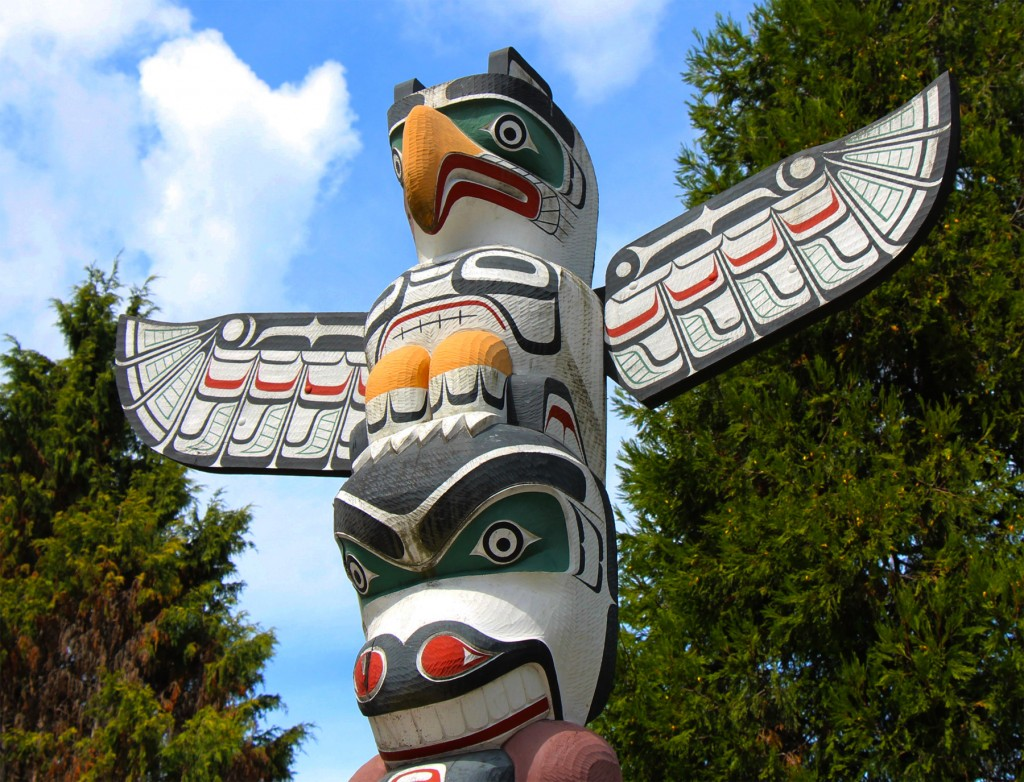 """Victory Through Honour"" pole by Kwakwaka'wak carver Ellen Neel"